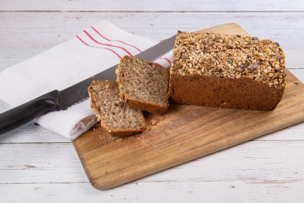 לחם שיפון בחוש דגנים וזרעי פישתן זקס בייקרי ואוכל טוב