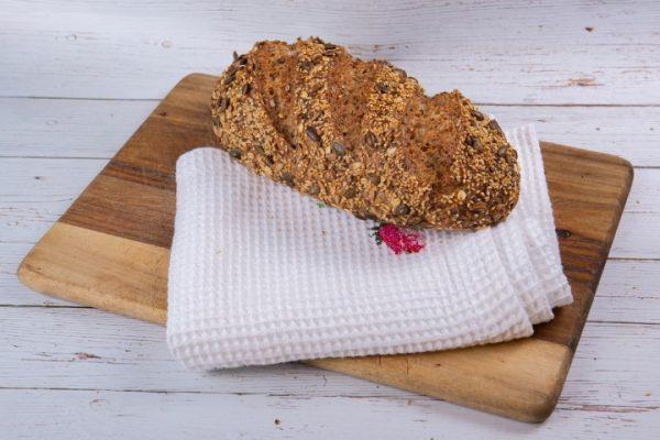 לחם שאור קמח מלא זקס בייקרי ואוכל טוב