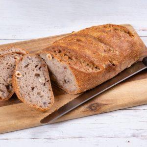 לחם שאור קמח מלא אגוזי מלך ואגוזי לוז זקס בייקרי ואוכל טוב