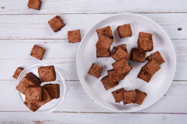 עוגיות בראוניז זקס בייקרי ואוכל טוב