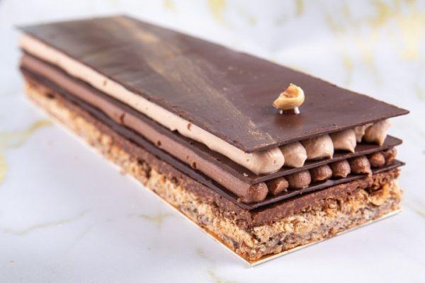 """""""פליזיר סוכרה"""" בצק אזוגי לוז קרם שוקולד חלב וגאנש שוקולד מריר זקס בייקרי ואוכל טוב"""