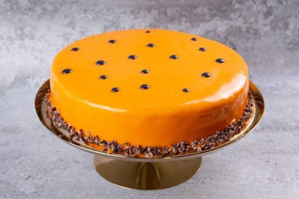 """עוגת שוקולד פסיפלורה בסיס בראוניז אינסרט ג""""לי פסיפלורה מוס פסיפלורה לא מכיל אגוזים פרווה זקס בייקרי ואוכל טוב"""