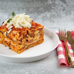 לזניה עגבניות צלויות וחצילים אפויים ברוטב עגבניות בייתי פטה מוצרלה וריקוטה זקס בייקרי ואוכל טוב